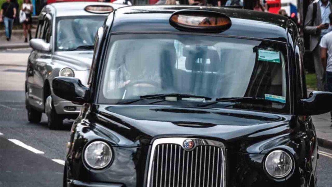 Los taxistas de Londres piden ser de los primeros en recibir las vacunas contra la Covid