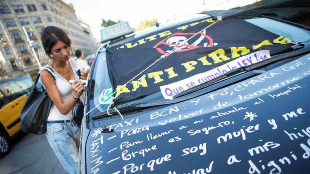 Un grupo de taxistas abre un canal de Telegram para conocer a los traidores