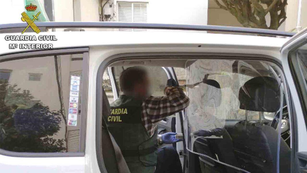 Detienen a una pareja de Vilagarcía de Arousa por dos atracos a taxistas