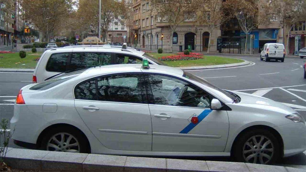 Dos mujeres agreden a una taxista en Reus para no pagar la carrera de 12 euros