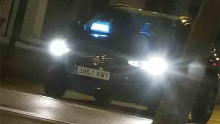 El taxi de Barcelona denuncia a Cabify por los módulos luminosos