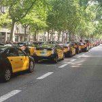 Miles de taxistas protestan contra Cabify en Barcelona