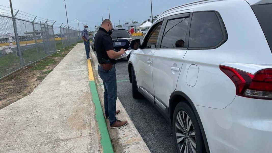 Los inspectores de Puerto Rico multan a los conductores de Uber por captación ilegal