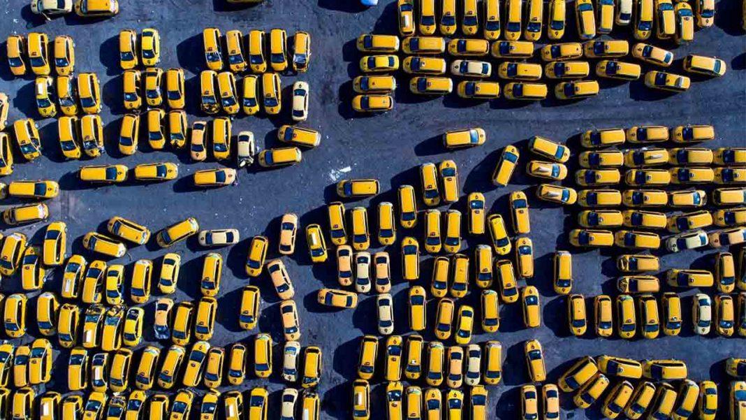 Letonia se queda sin taxistas debido a la crisis generada por la pandemia