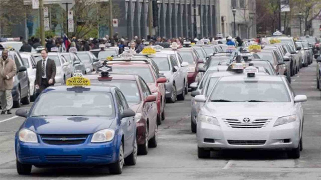 Uber y Lyft evaden impuestos en Canadá por un total de 217 millones al año