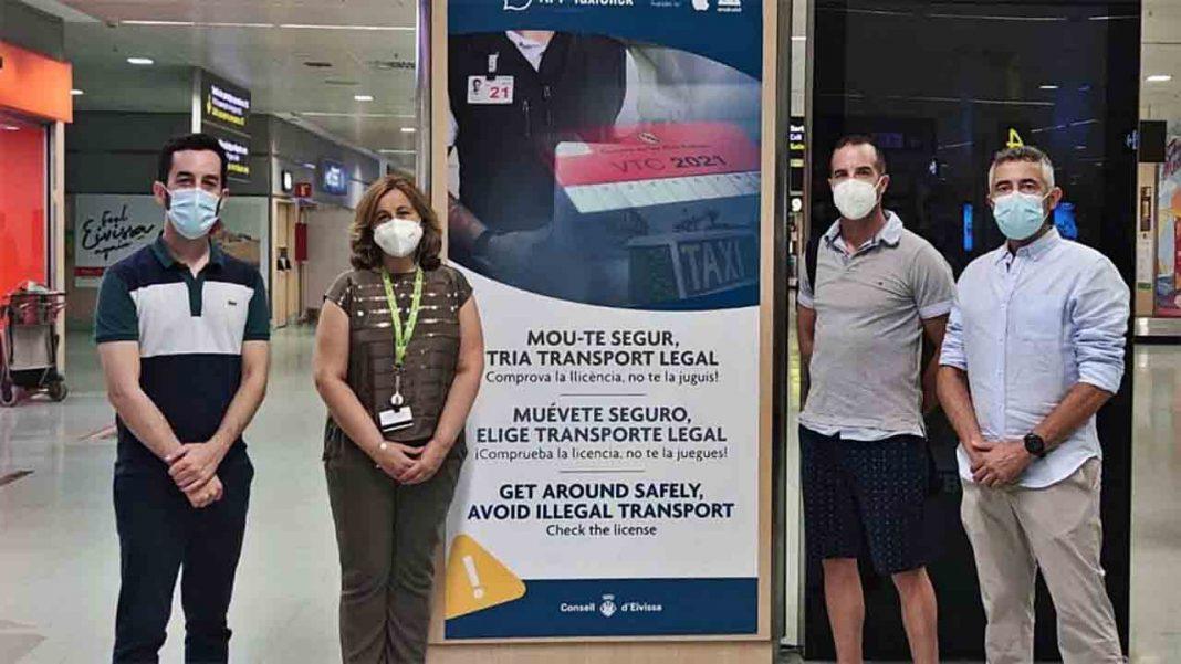 Campaña de promoción del taxi en el Aeropuerto de Ibiza