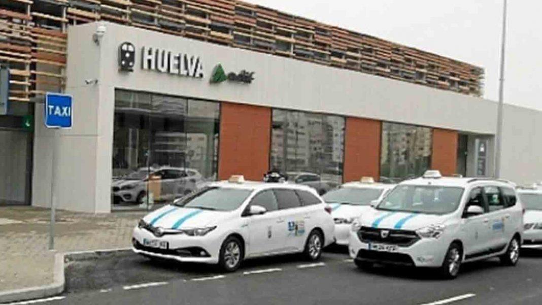 El Ayuntamiento de Huelva rescata cinco licencias más de taxi