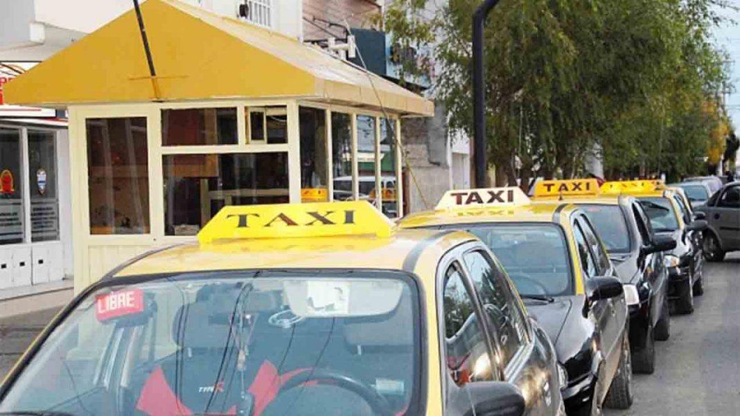 Los taxistas de Río Gallegos siguen esperando que lleguen las sanciones a Uber