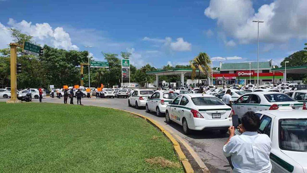 Movilizaci贸n del taxi en Quintana Roo contra la competencia desleal de Uber